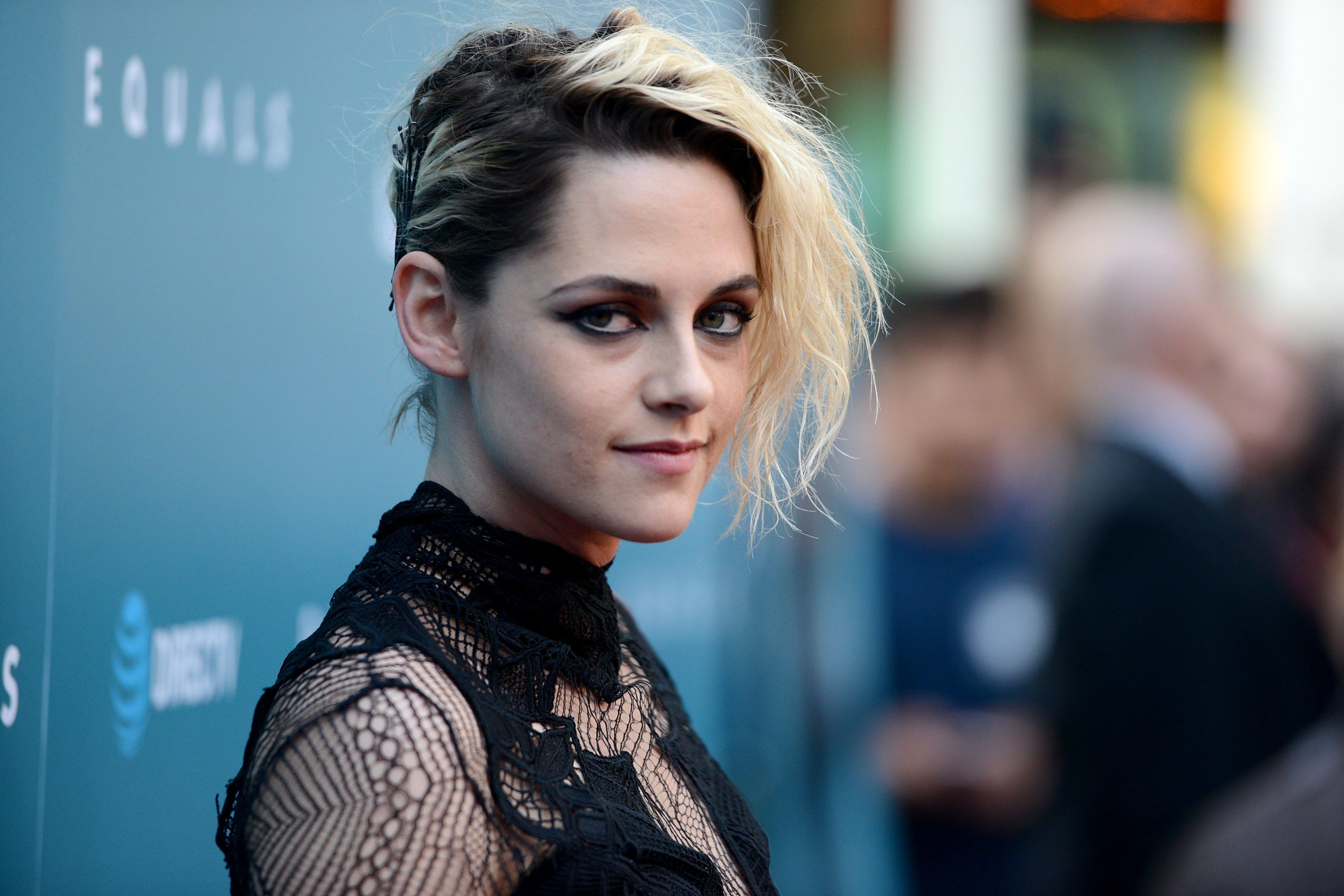 Kristen Stewart Shaved Off ALL Her Hair Dyed It Platinum