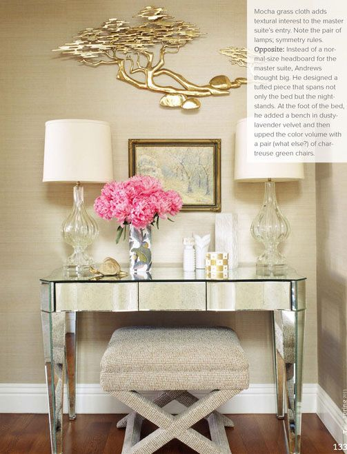 Mirrored Console Table And Lamps For Entryway