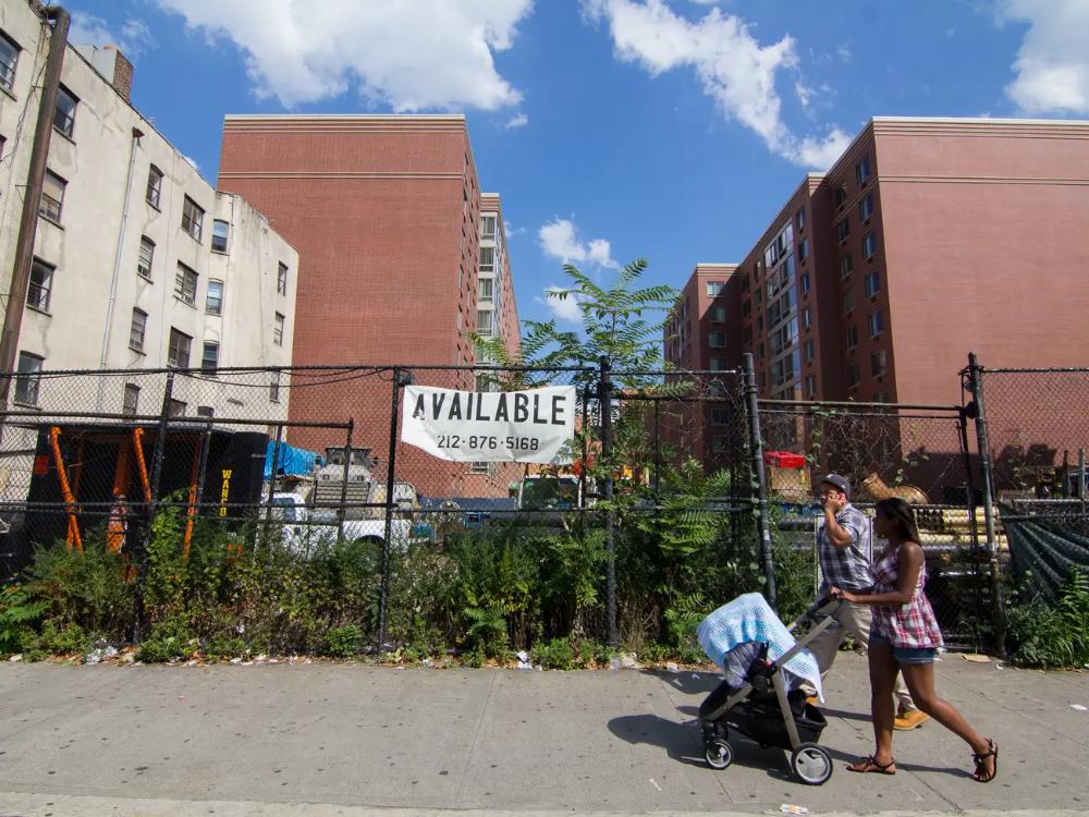 New York S East Harlem Gentrification Photos Business Insider East Harlem Nyc Neighborhoods Harlem Nyc