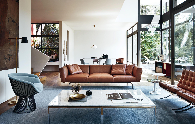 Sofa en cuir cognac et chaise design pour un salon contemporain d co salon en 2019 salon - Salon contemporain design ...