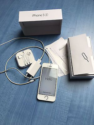 Apple iPhone 5S Smartphone 16GB Silbersparen25.com ...