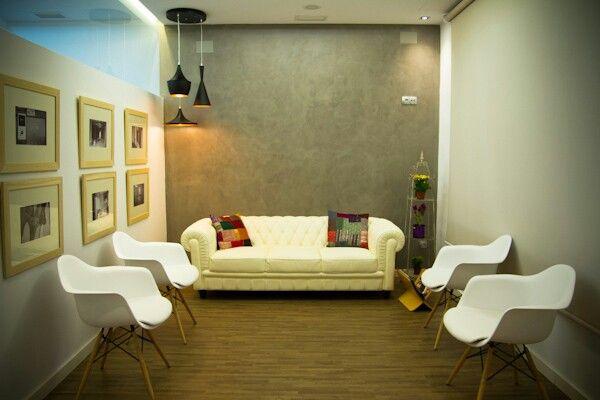 sala de espera dental office decoration pinterest bureaux design bureau et design. Black Bedroom Furniture Sets. Home Design Ideas