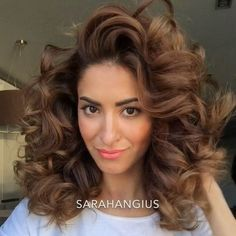 """Sarah Angius on Instagram: """"Hello big curls‼️ Game rules📖 The hair sections must be 2 to 3 inches wide. If you have long hair take smaller sections. (Wand: José Eber…"""""""