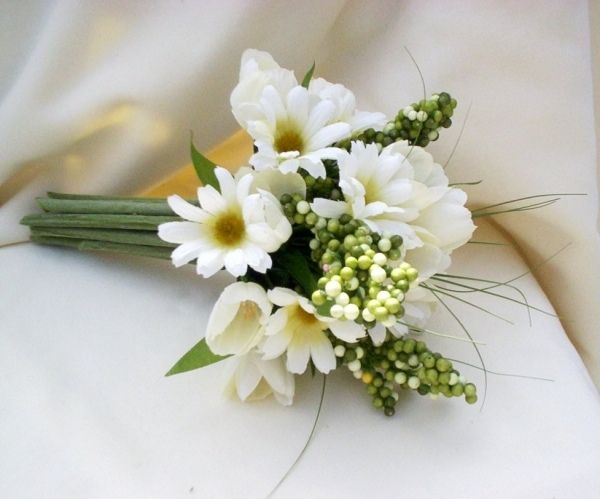 feine weiße Blumen zur Hochzeit | GREAT WHITE WEDDING | Pinterest ...