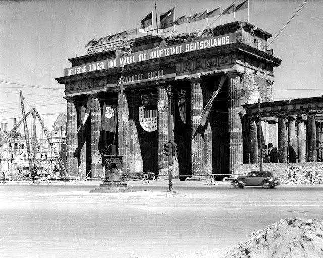Brandenburger Tor In Den 50ern Germany Berlin Berlin Germany