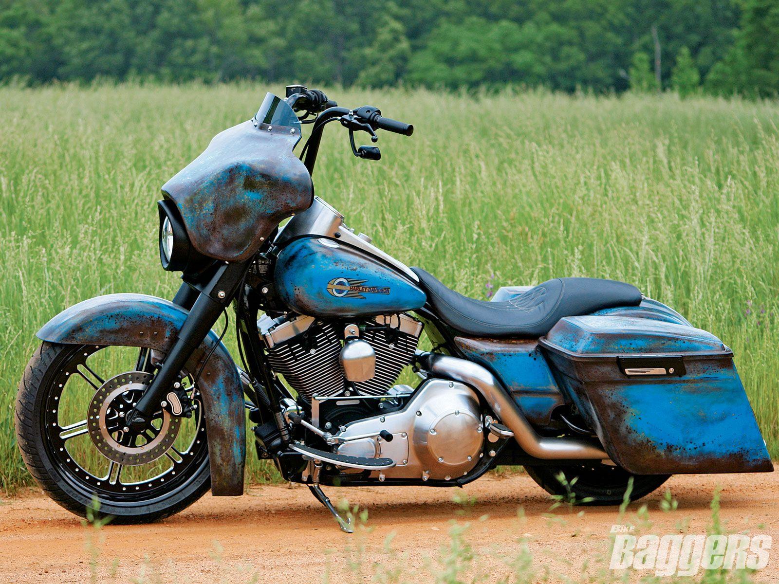 Harley Davidson: 2005 Harley Davidson Road King Custom Left View