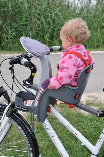 der kinderfahrradsitz f r vorne papa online leser haben es getestet baby bike bike seat. Black Bedroom Furniture Sets. Home Design Ideas