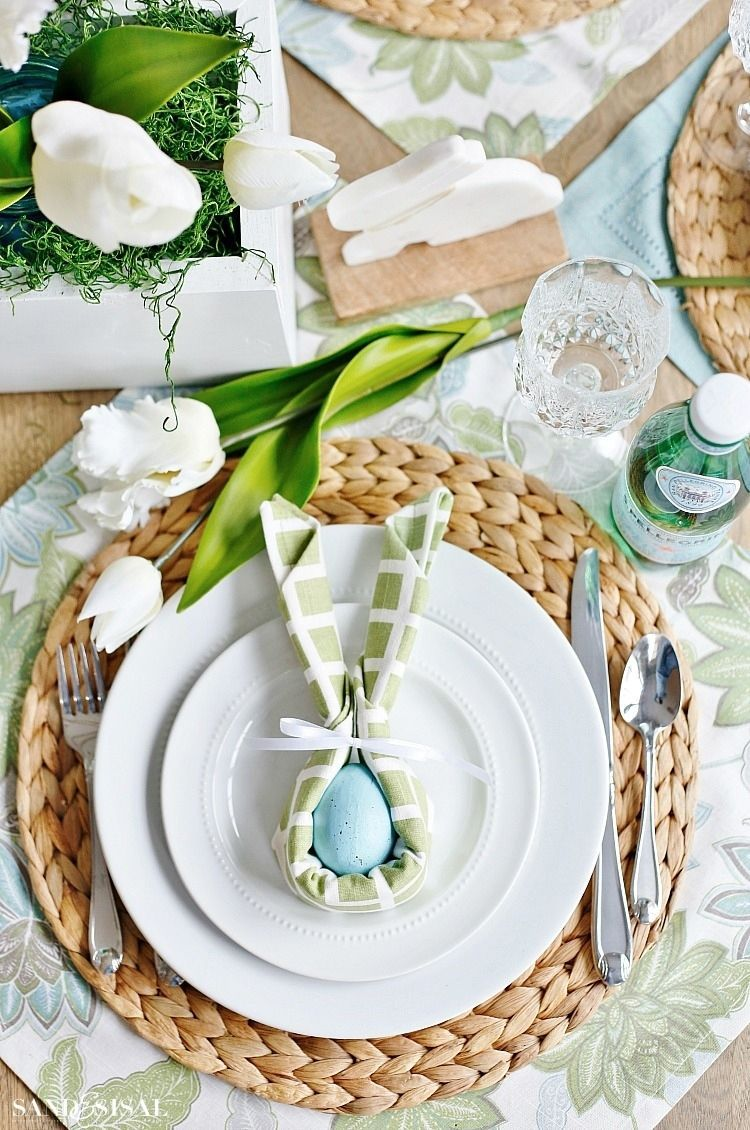 Use Cloth Napkins In New Inventive And Creative Ways This Spring This Beautiful And Whimsical Easter Bunny Napki Servietten Ostern Tischdekoration Diy Ostern