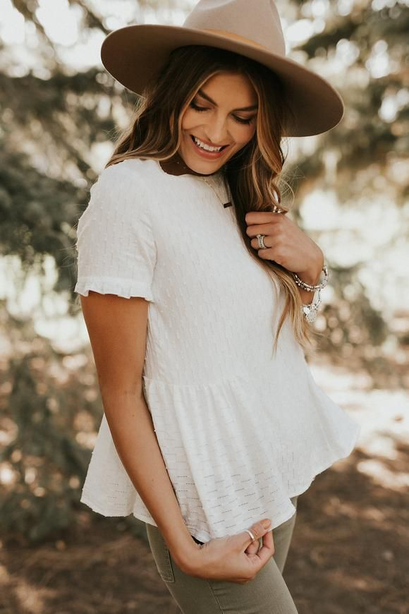 Picnic Outfit Ideas For Women | ROOLEE | Picnic outfits ...