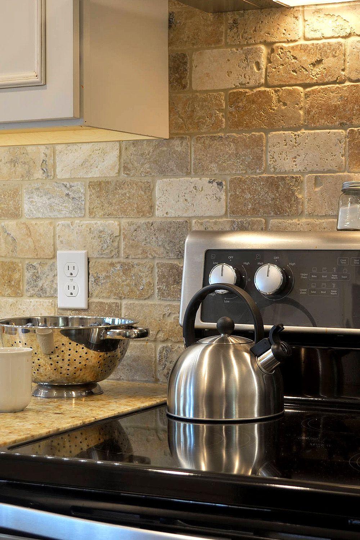 29 Ivory Travertine Backsplash Tile Ideas Natural Design Style Travertine Backsplash Kitchen Stone Backsplash Kitchen Rustic Kitchen Backsplash