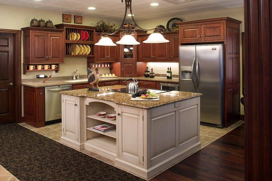 Oak Cabinets With White Island | ... Kitchens With Red Oak Kitchen Cabinet  Finishing