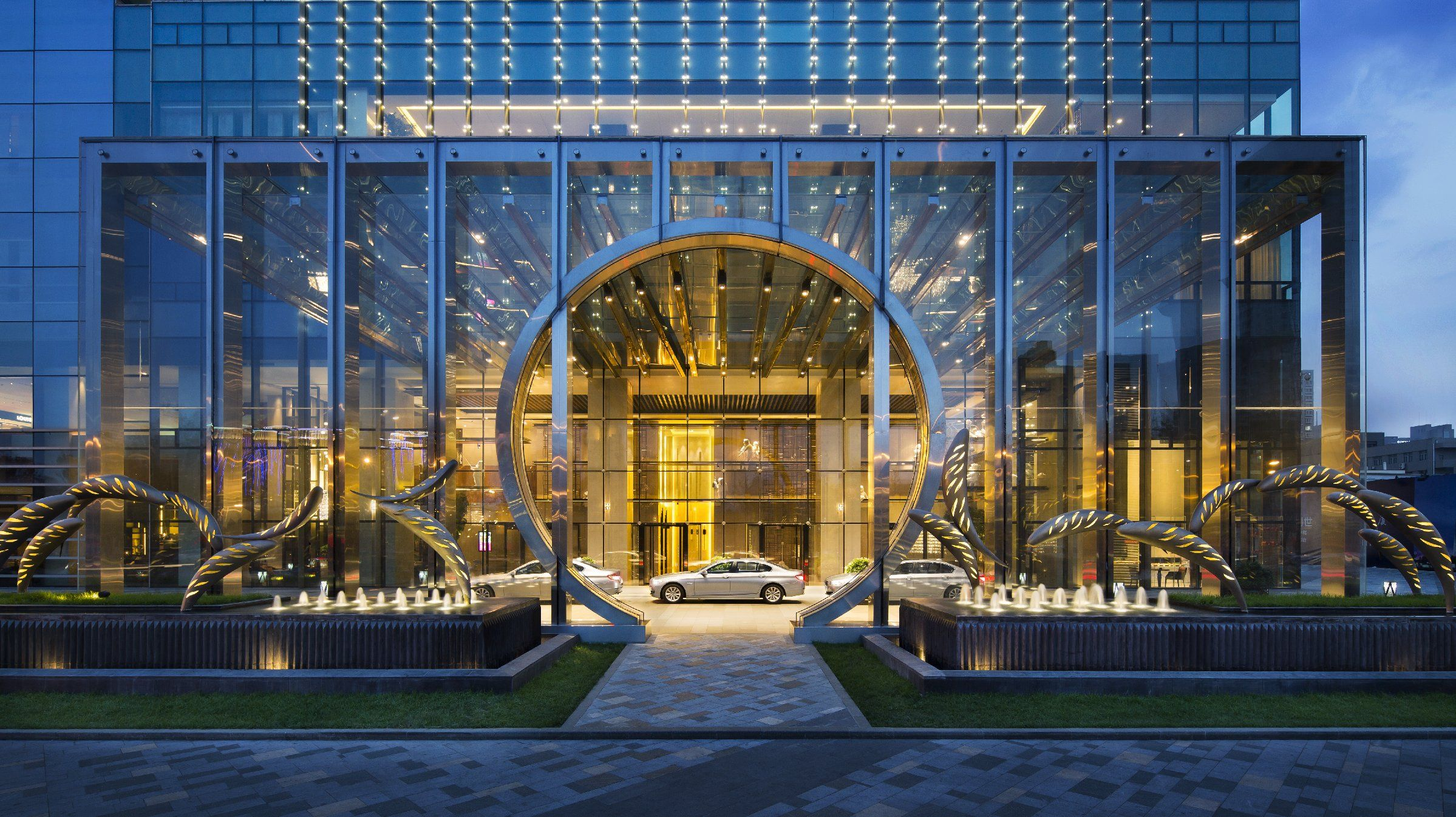 review the grand hyatt hotel doha follow your sunshine