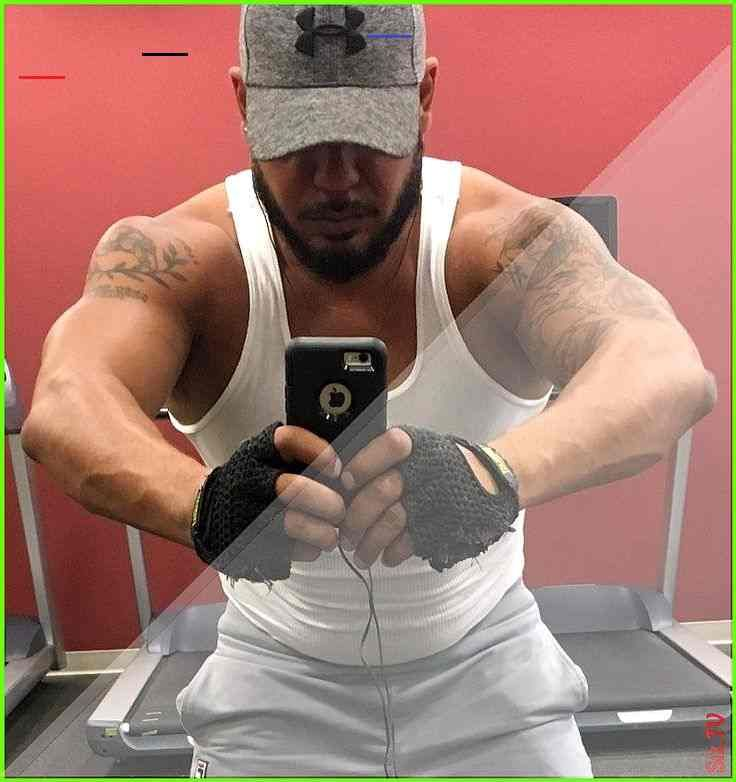 Back to the grind bigandbeautiful feelinggood gym gymrat training workingout bulldog bully dogsofins...