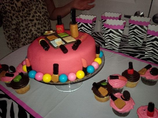 make up cake and cupcakes for my niece's birthday