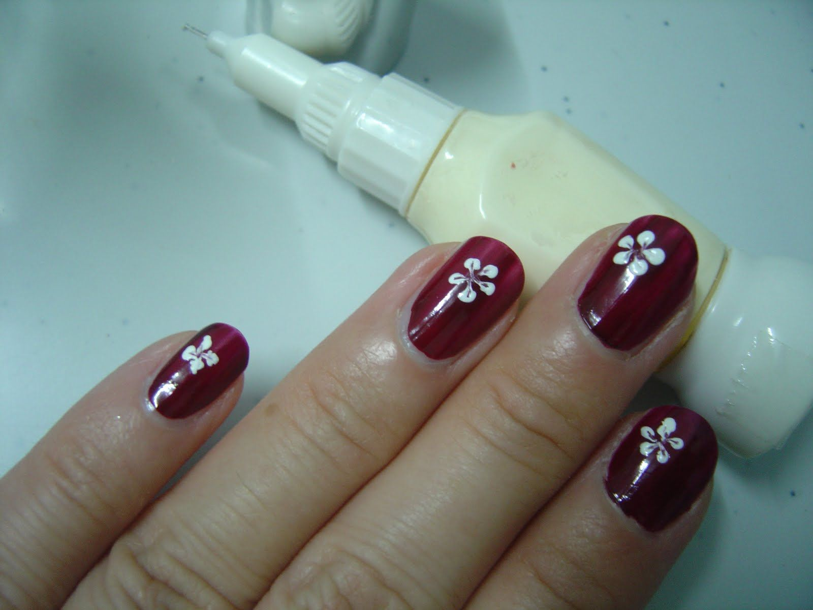 Easy Flower Nail Art Designs For Beginners | Tips&Toes | Pinterest ...