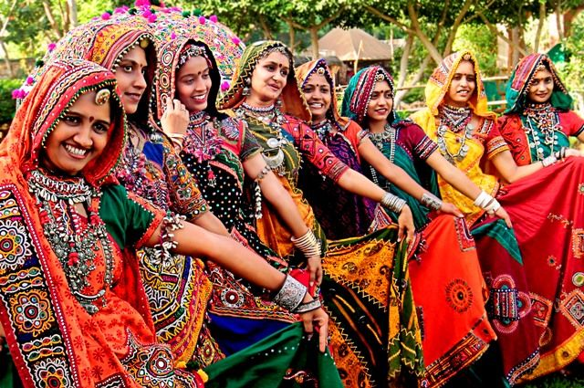 Soutthern India, Traditional Costumes - Google Search -9289