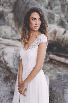 Sommerliches Brautkleid Ein Romantisches Brautkleid Mit Klaren