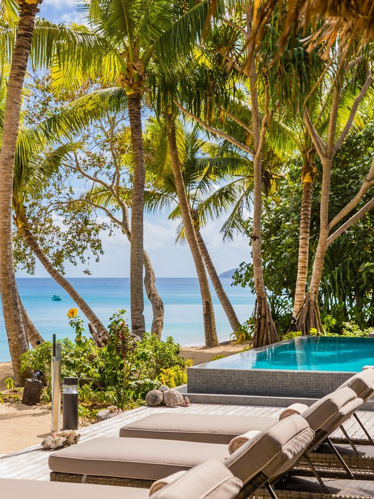 The Sexiest Honeymoon Resorts in Fiji