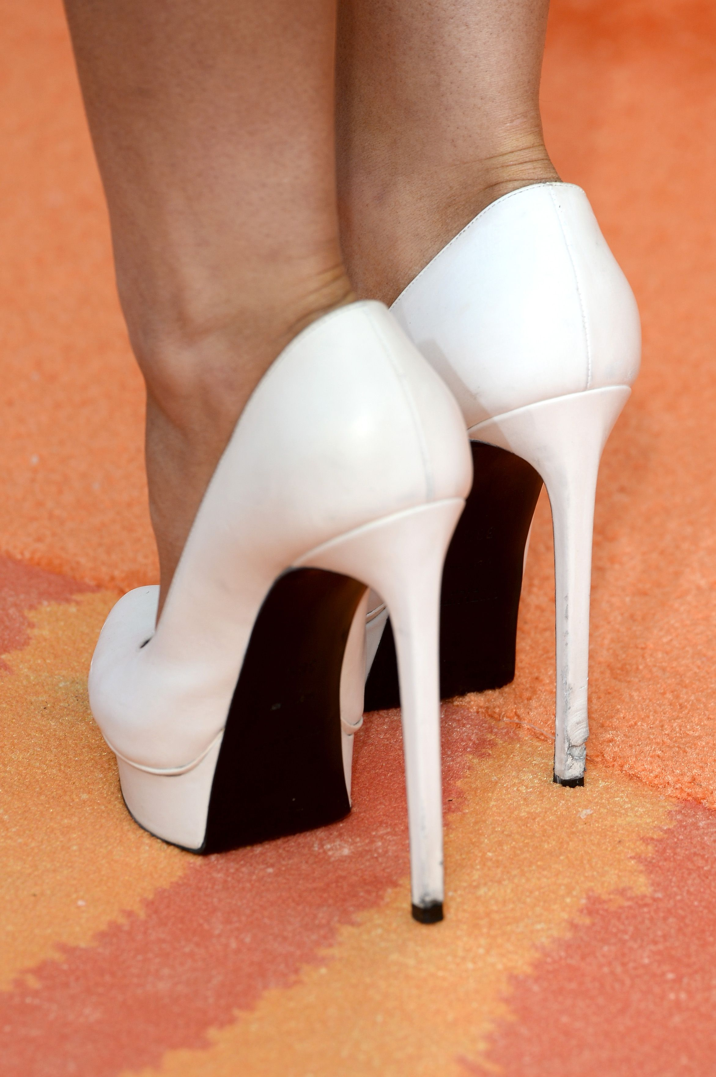 ariana grande's saint laurent 'janis' pumps at the 27th annual kids' choice awards. #shoeporn