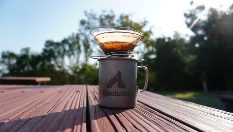 100均 セリア の 折りたたみコーヒードリッパー をレビュー 魅惑のキャンプ セリア チタン マグカップ コーヒー 淹れ方