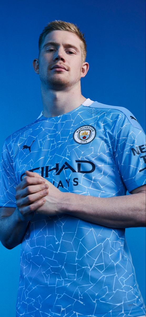 KDB modelling the new 2020-21 City home shirt   Manchester ...
