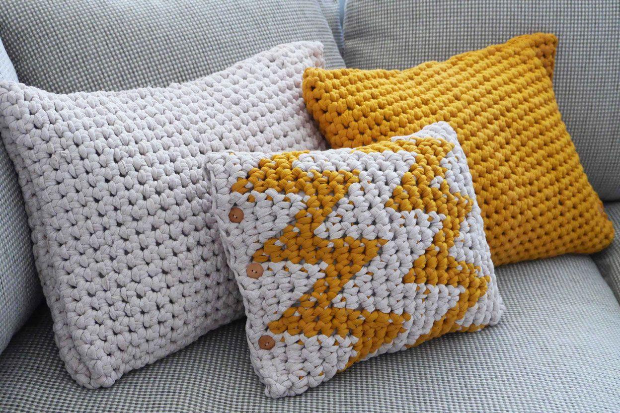 Großes Häkel Kissen Aus Textilgarn Textilgarn Häkeln Pinterest