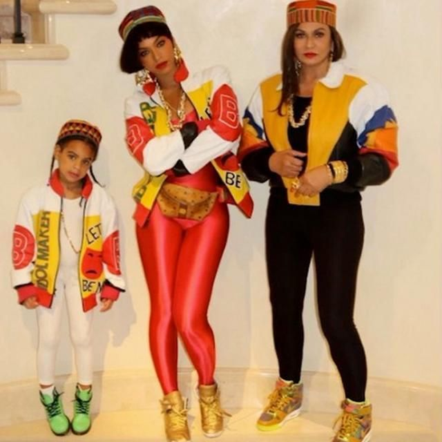 Beyoncé & Daughter Blue Ivy Dress Up As Salt-N-Pepa For Halloween