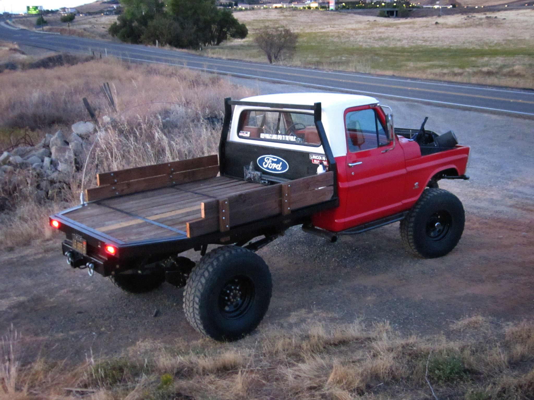 I want a custom flatbed for my truck. Fabricators look