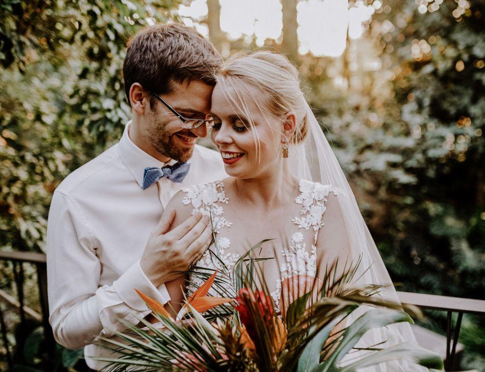 Standesamt Hochzeitsfotografin auf urbane Gartenhochzeit in Berlin Friedrichshain - Hochzeitsfotograf