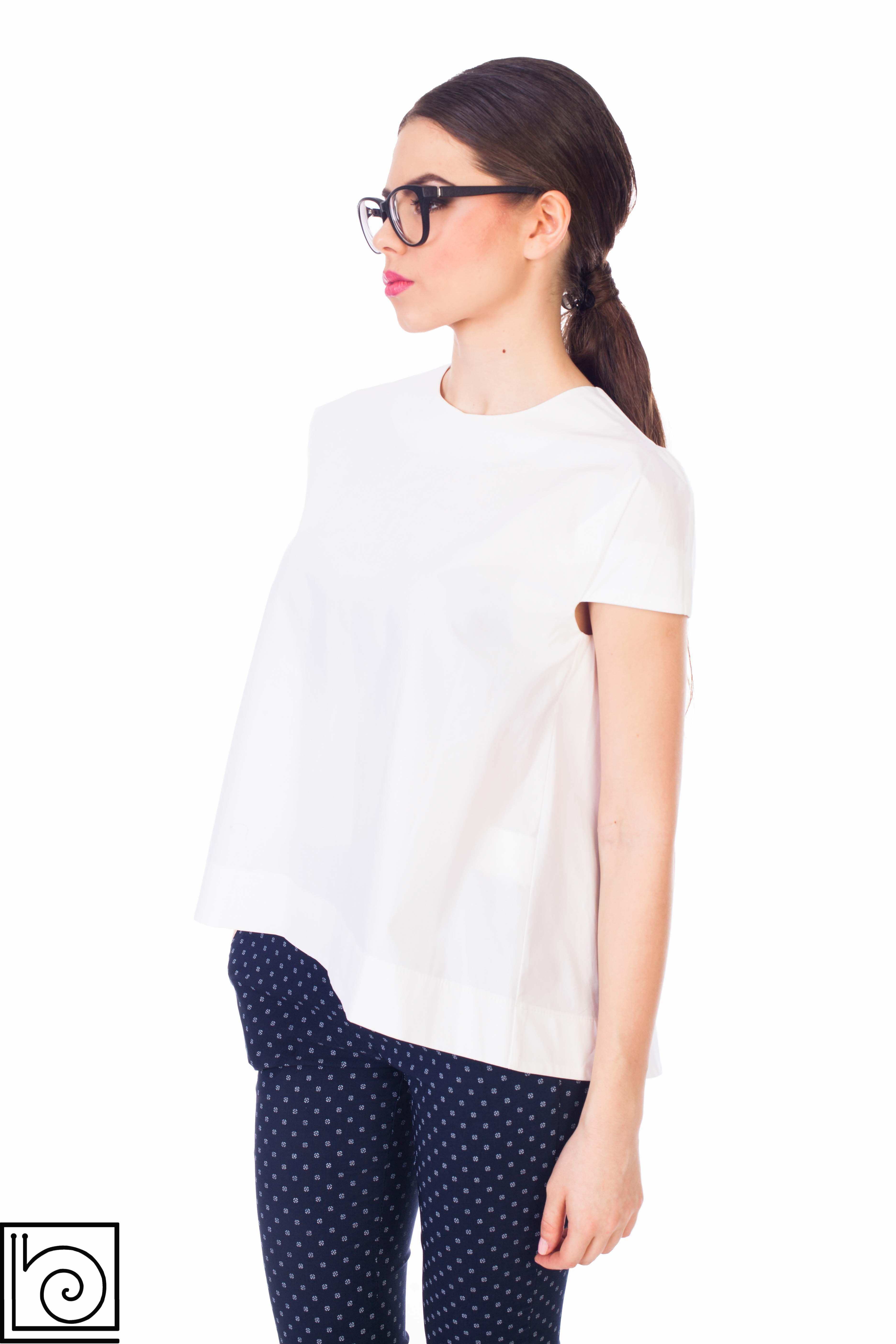 b6e6c8e03c8 Блузка белая расклешенная