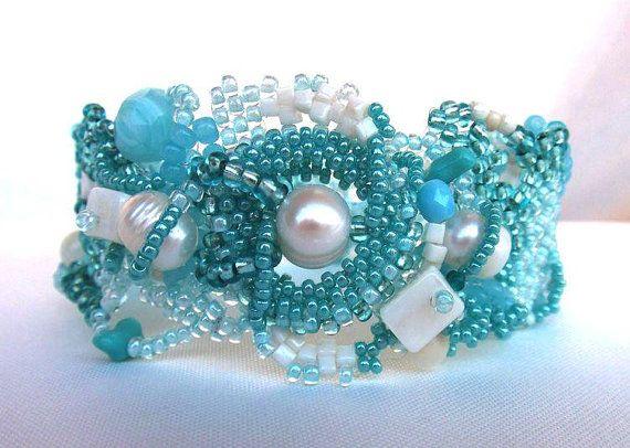 Beaded bracelet, Freeform Peyote Cuff Bracelet, ooak jewelry - aquamarine,  aqua blue cream white