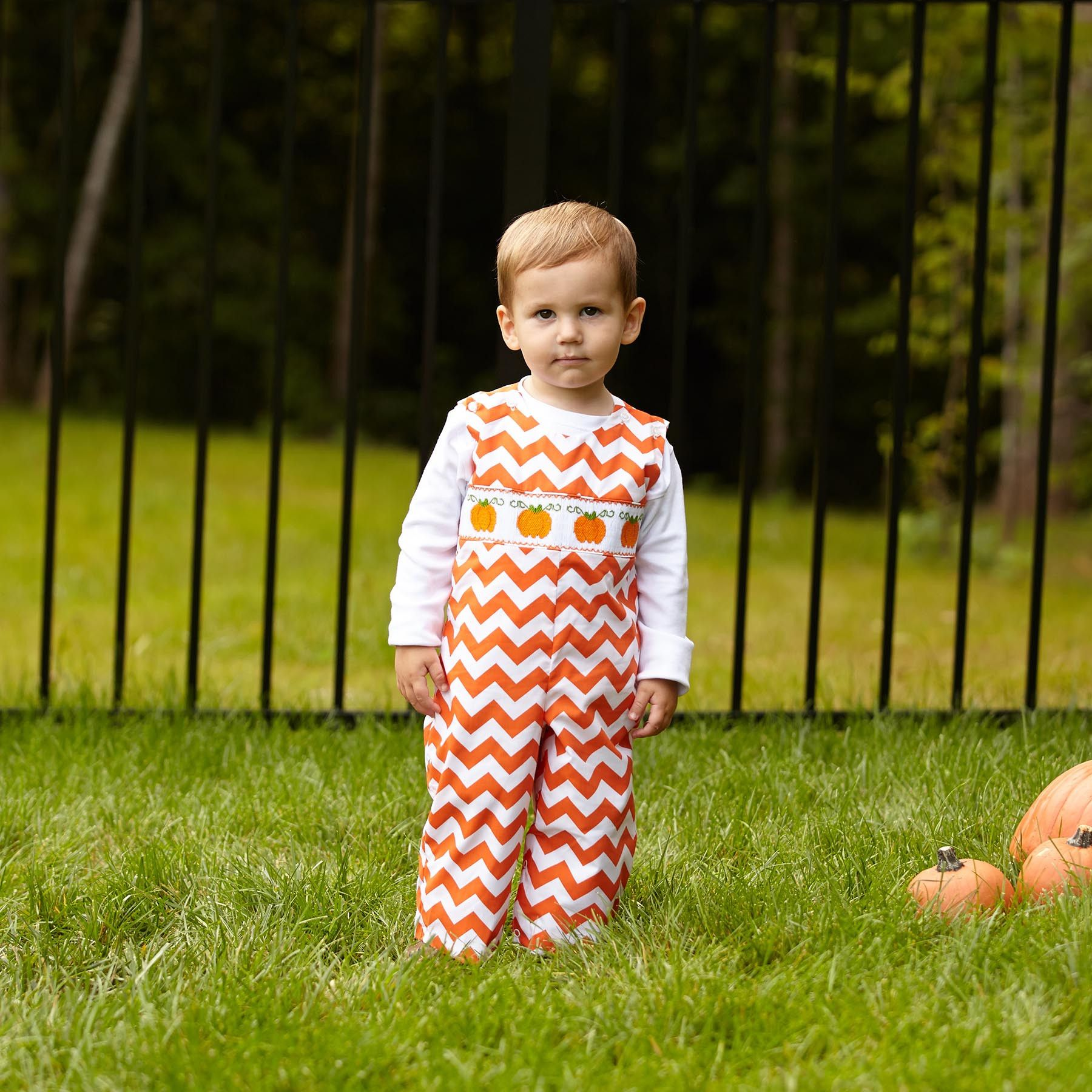 Swoon! Love this Orange Chevron Pumpkin Smock Longall I discovered at lollywollydoodle.com and for only $36! Click the image above to get a $5 off coupon code for your next order!