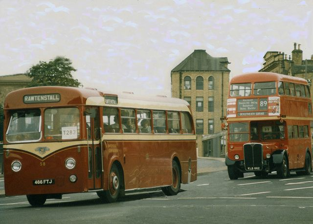 Single  Double Decker Buses - Wow! these Buses are Very Late