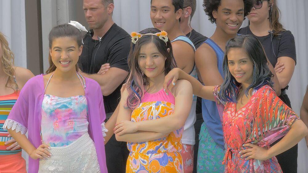 Xo Iq Make It Pop Wiki Fandom Premiere Nickelodeon Entertainment Tonight