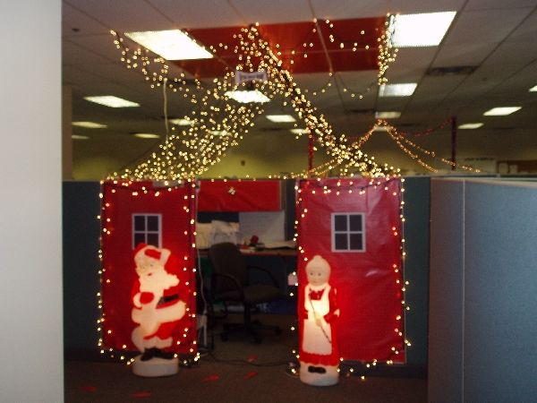 Office christmas cube decorating ideas decorate my for Cubicle decoration xmas