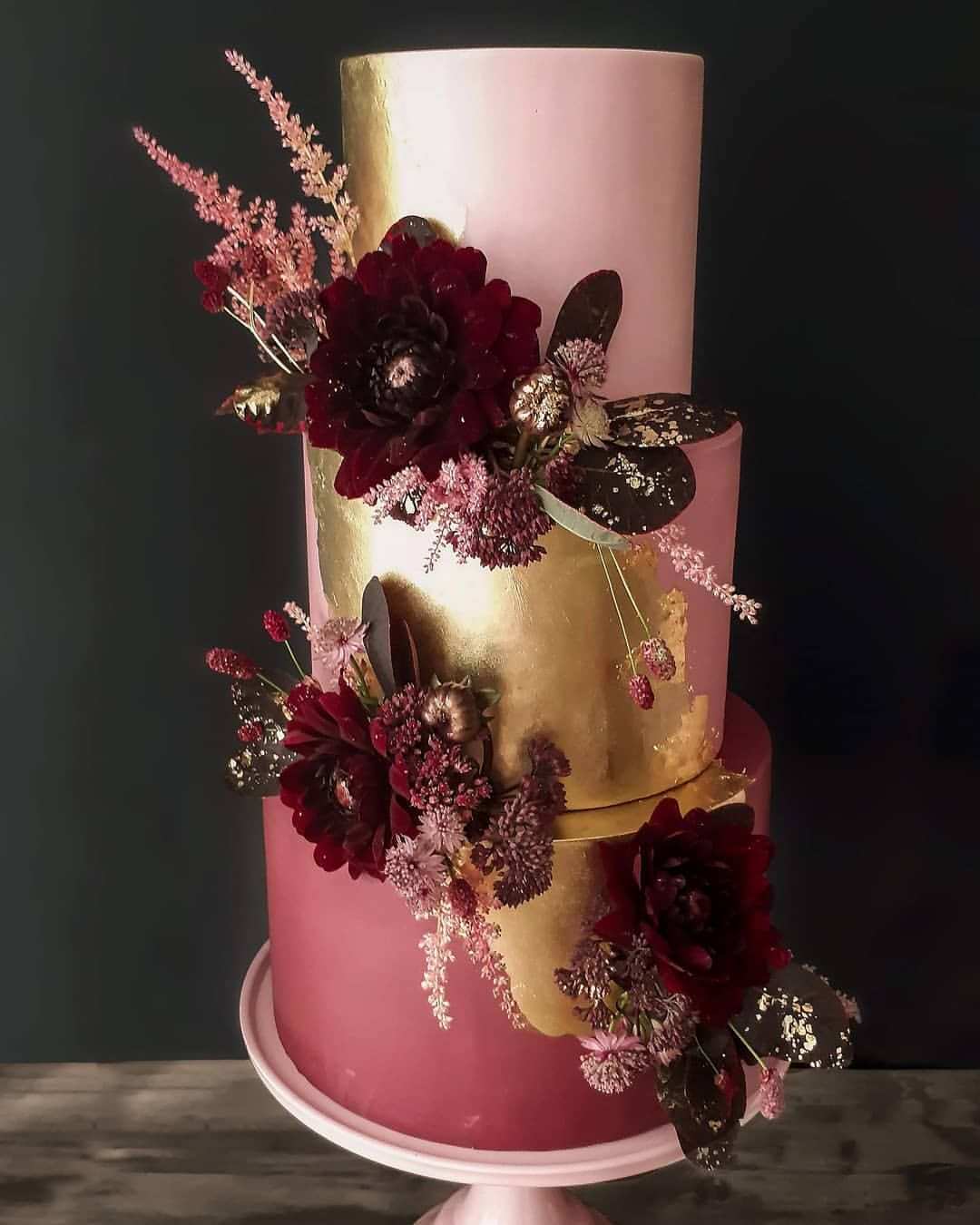 Like Butter Hochzeitstorten Auf Instagram I Love It I Love It I Love It Meine Absolute Lieblings In 2020 Wedding Cake Inspiration Pillar Candles Wedding Cakes