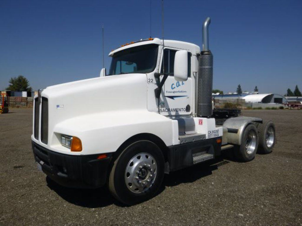 1993 kenworth t a truck tractor caterpillar 3406 425hp 6cyl turbo diesel eaton
