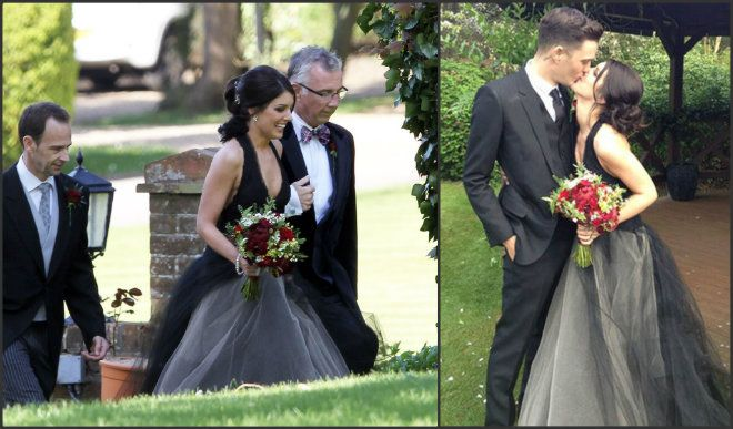 90210 Star Shenae Grimes Gets Married In A Black Wedding Dress Hollywire Celebrity Weddings Black Wedding Dresses Black Wedding