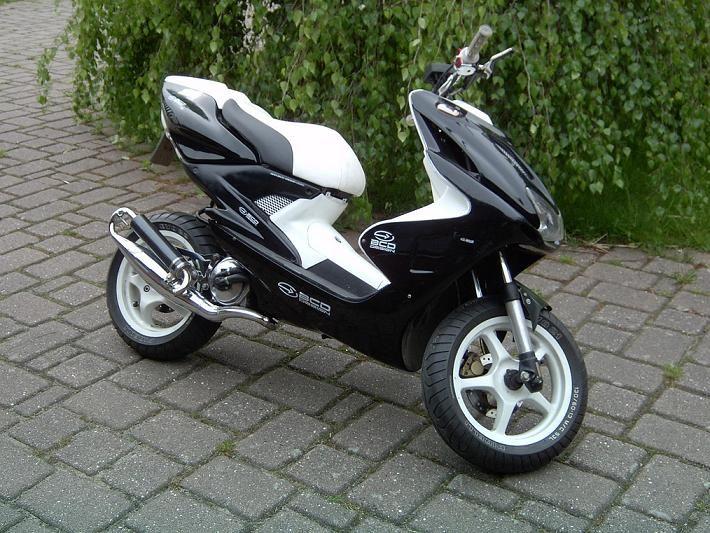 Yamaha Aerox 50cc Scooter