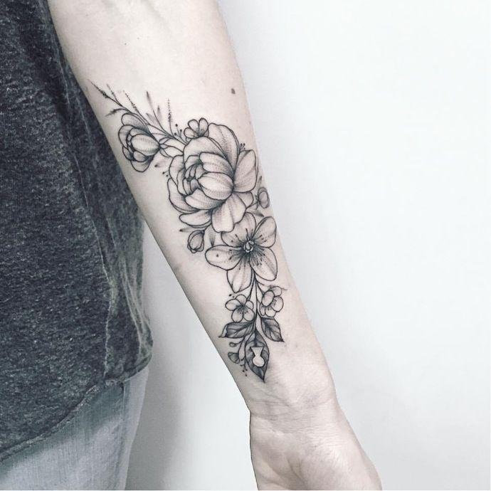 Pin By Roksana On Tatts Sunflower Tattoos Floral Tattoo Floral Arm Tattoo