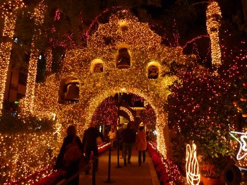mission inn riverside california historical restaurant and hotel decorated with over a million lights
