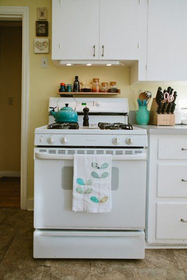 Lindsay's Light & Lovely Rental Kitchen — Kitchen Tour | The Kitchn