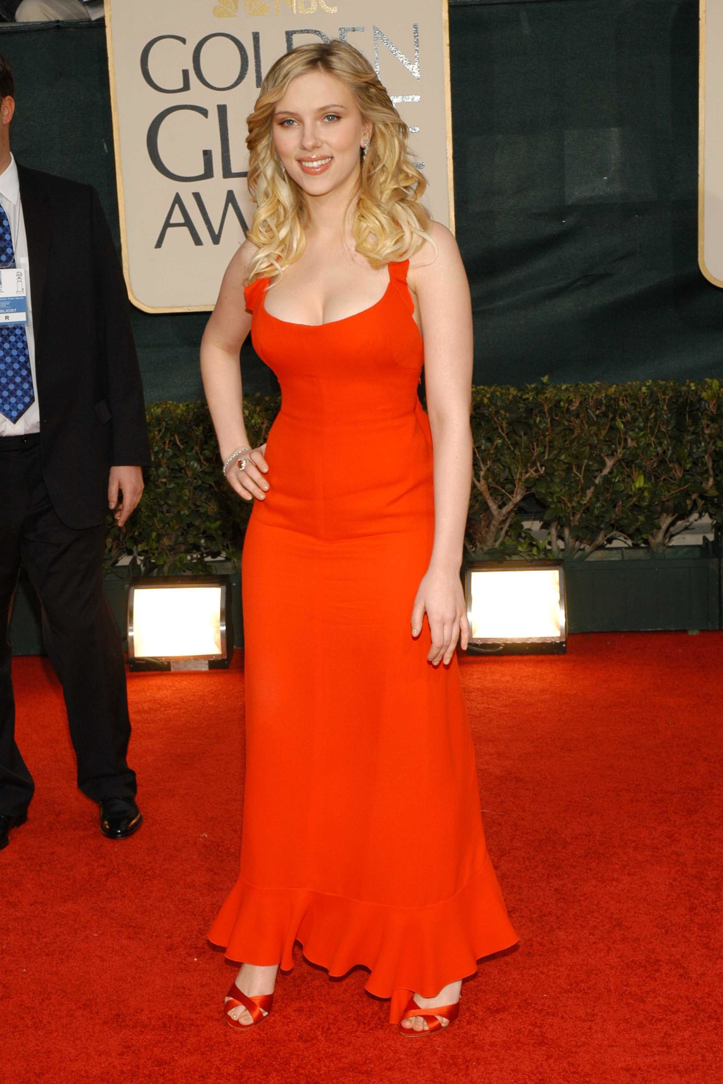 See The Best Golden Globes Dresses Of All Time Scarlett Johansson Scarlet Johansson Golden Globes Dresses [ 3600 x 2400 Pixel ]