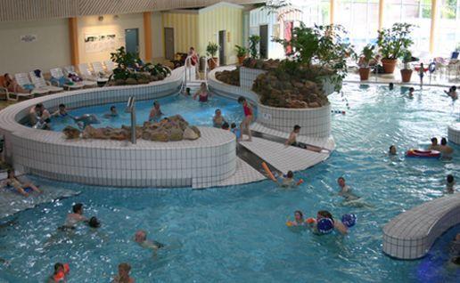 Arnsberg: Zwei Iraker onanieren vor Frauen im Schwimmbad