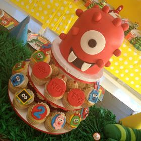 blue cupcake: Yo Gabba Gabba