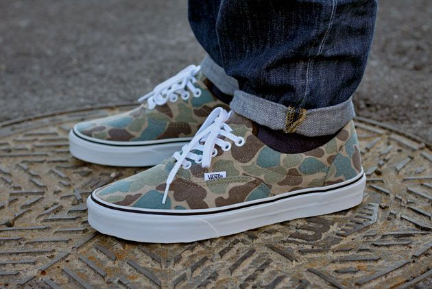 vans era checkerboard camo