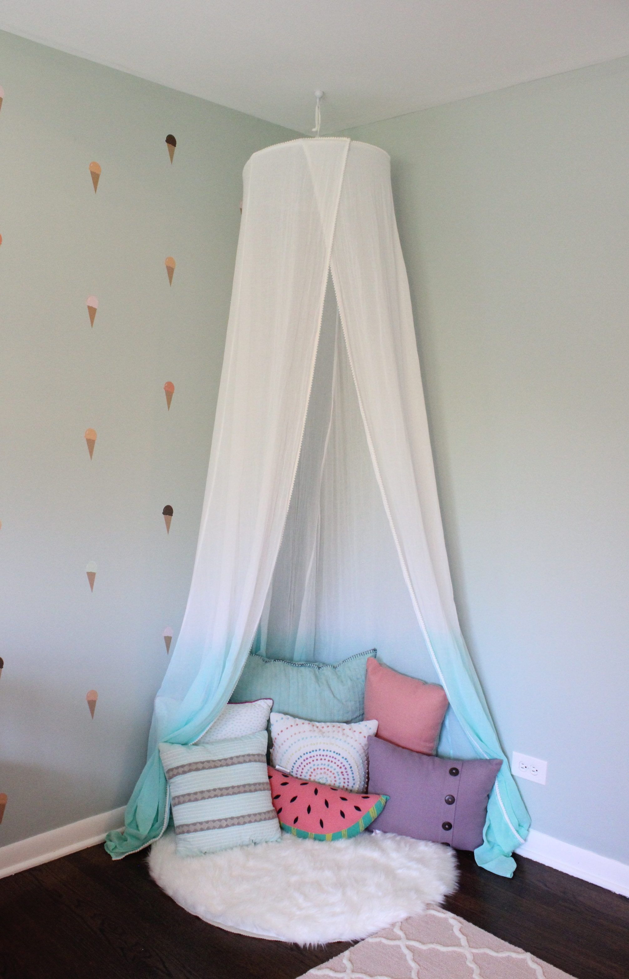 Girls Room Reading Nook With White And Teal Canopy And -2973