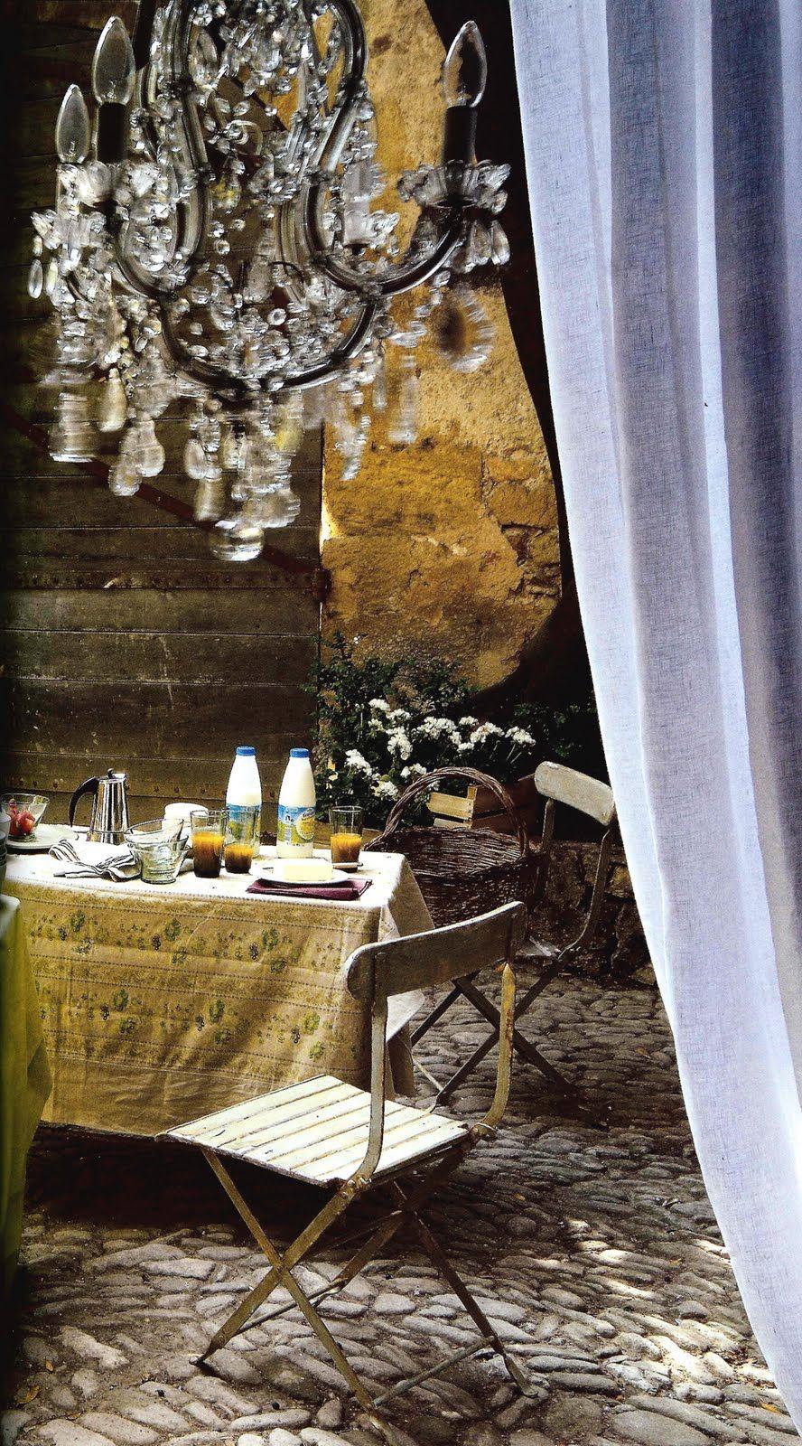 ✕ A sunlit courtyard | Outdoor | Pinterest | Muebles de jardin ...