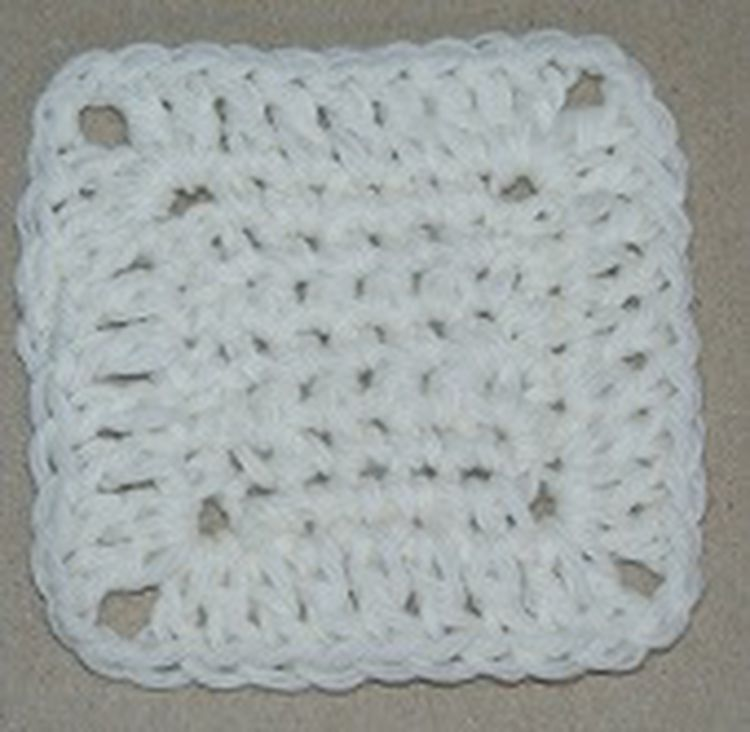 How to Crochet a Simple Granny Square | Pinterest