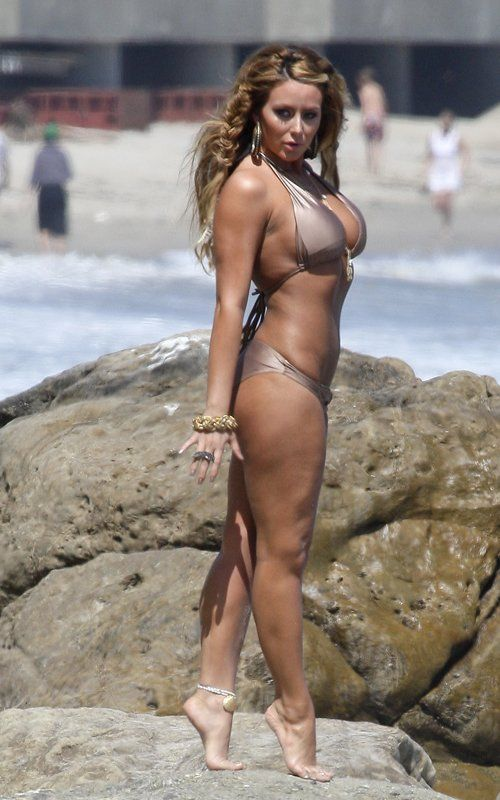 Tag Archives: Aubrey ODay Nude -